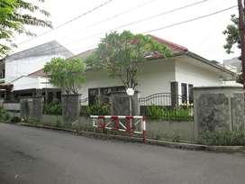 Rumah Hook Murah lt 457 m2 Taman Aries Kembangan jakarta barat