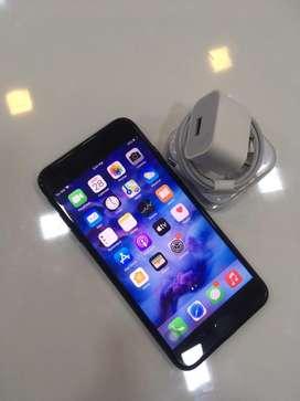 Iphone 7+ 128GB BLOCK COLOUR GOOD CONDITION**