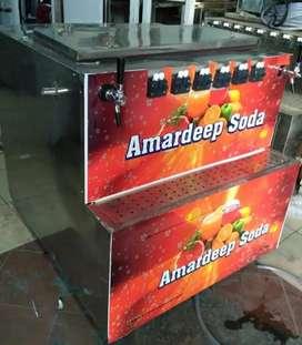 Mobile soda fountain machine with wheels