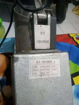 "EDISI BU : JUAL CEPAT ""ICE CRUSHER"" MACHINE ELECTRIC (NEGO ALUS)"