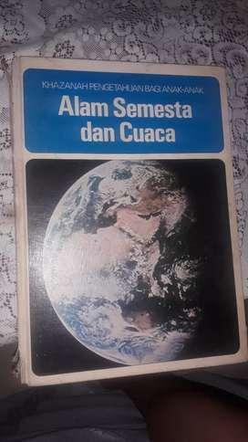 Buku pengetahuan seri pustaka live alam semesta dan cuaca