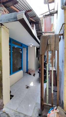 Dikontrakkan Rumah Lokasi Strategis Di tengah kota. 2 KT 1 KM
