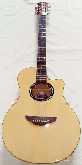 Gitar akustik baru ready area Samarinda