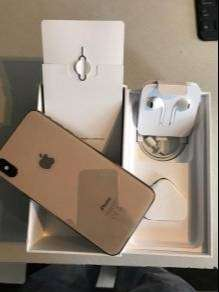 Apple i phone are available at best price in the market with box & all
