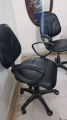 2 revolving chairs in good condition