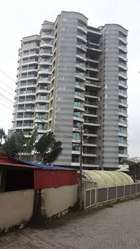 Luxury 2BHK with A/C, Pool & Balcony, 1500 sq.ft