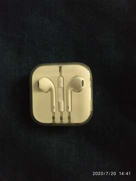 Iphone 6s original earphone-unused