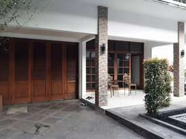 Rumah cantik asri aman dan nyaman di kemang jakarta selatan
