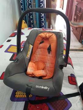 Baby car seater in new condition only one time use