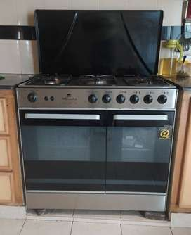 5 burner cooking range with oven for baking new condition