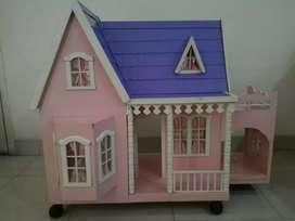 Rumah boneka kayu