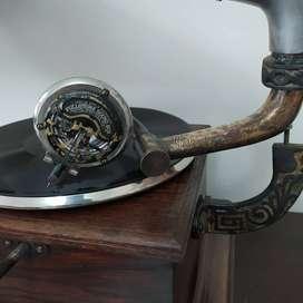 Jual gramaphone antik