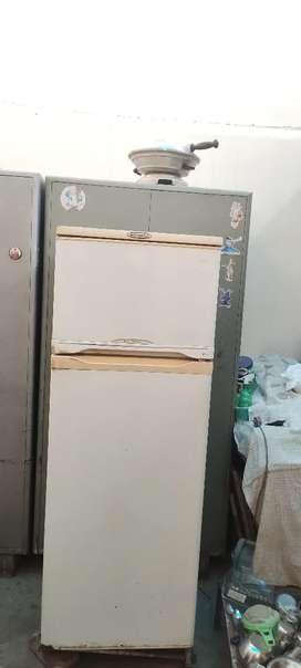 Doubledoor refrigerator 415 lt Kalvinater