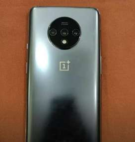 Best in class oneplus models with full kit ,warranty and bill ,box .