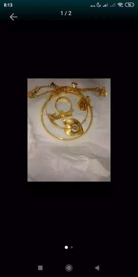 Nerima beli emas dan berlian