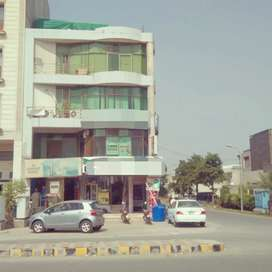 8 MARLA COMMERCIAL CORNER BUILDING FOR SALE IN DHA PHASE 8