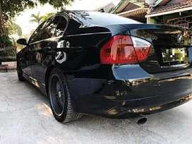BMW 320i tahun 2005