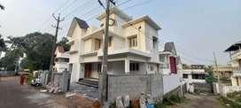 4 cen  3 bhk Independent Villa kakkanad kompara 1770sft2