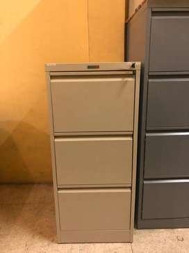 Lemari Besi Kantor Laci / Filing Cabinet Laci / Lemari Arsip 3 Laci