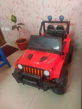 Kids 2 seater battery operated ride on 4×4 Jeep