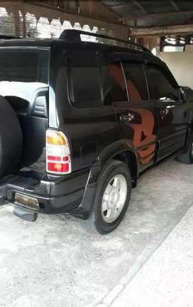 Dijual Mobil Escudo Tahun 2001
