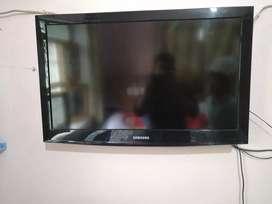 Samsung LCD TV 32 INCH 4K SERIES