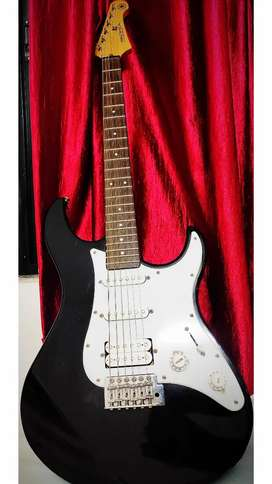 Electric Guitar Yamaha Pacifica (Great Condition)