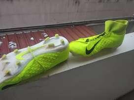 Nike Phantom SG football shoes with ankle