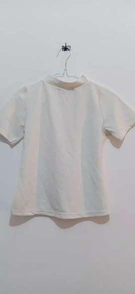 Kaos adem putih