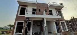 Gareter noida sector 16 villa 3 Bhk