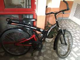New Hercules cycle excellent condition