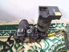 Di jual Nikon D3300.plus lensa Tamron ..pemakaian pribadi.