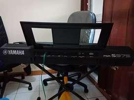 Dijual keyboard yamaha PSR S 975