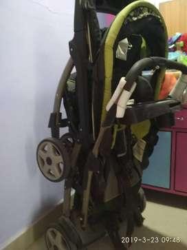 Twins stroller branded GRACO