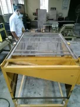 Sand shaking machine
