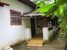 MONTHLY RENTAL SMALL HOUSE
