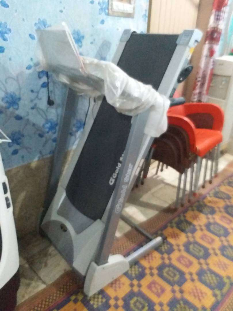 Gold star Treadmill for sale 0