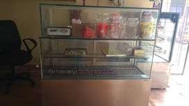 Display counter , ice cake counter ,good condition 4 feet counter
