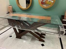Six seater dinning table , no chairs