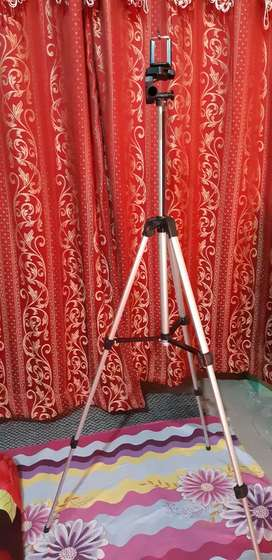 Camera Stand 330A for DSLR and Ringlights.