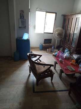 flat for sale 4th floor punjab colony