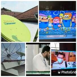 Teknisi pasang parabola CCTV servis area makale