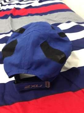 Topi 2xu warna biru