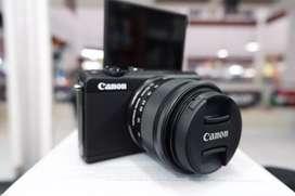 CANON EOS M200 4K MIRRORLES KIT 15-45MM GARANSI 1 THN BISA KREDIT