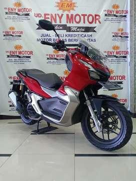 08. Honda ADV thn 2019. warna merah.