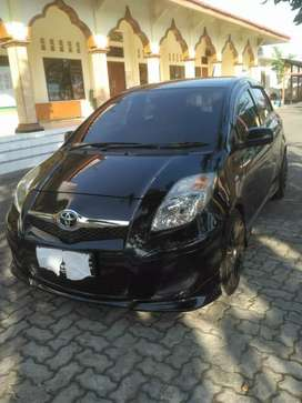 Dijual Mobil Toyota Yaris