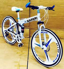 B. M 21 SHIMANO GEARS MACWHEEL BICYCLE