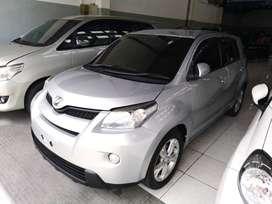 Toyota Ist 1.5 2010 Silver Matic Siap Pakai