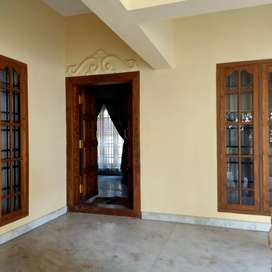 Kaloor 2BHK Putharoad Good Cadeiones House ground floor
