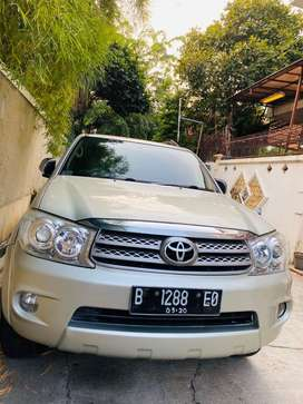 Toyota Fortuner 2.5 G AT 2010 Diesel Matic
